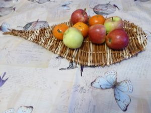 Photo of willow leaf platter