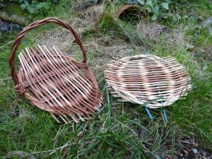 Photograph of willow tray and simple basket for workshop